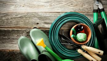 Zo maak je je tuingereedschap winterklaar