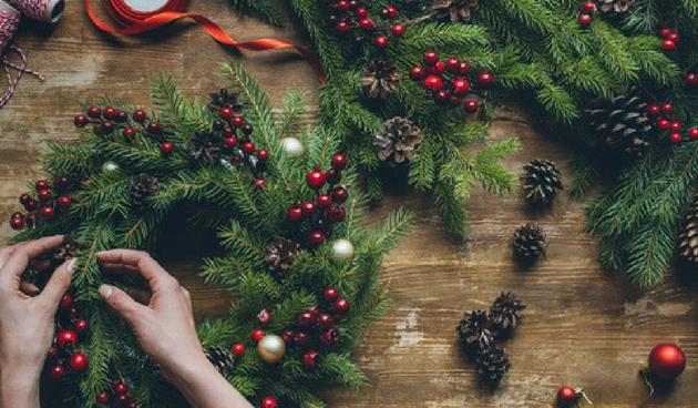9 handige tips voor het maken van een kerststuk
