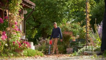 Puzzel september: win een WOLF-Garten accu bladblazer